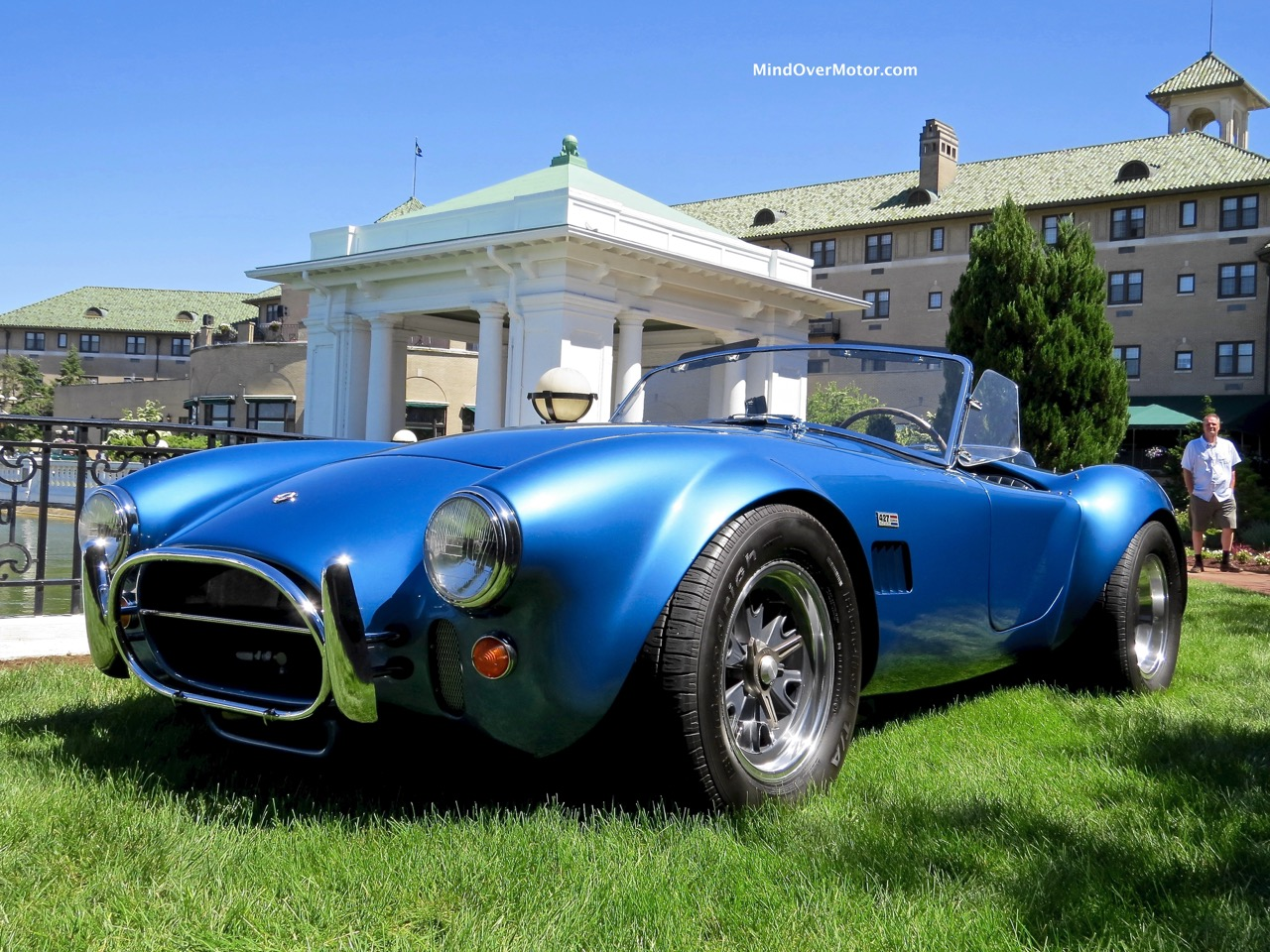 1966 Shelby Cobra 427 Front Angle