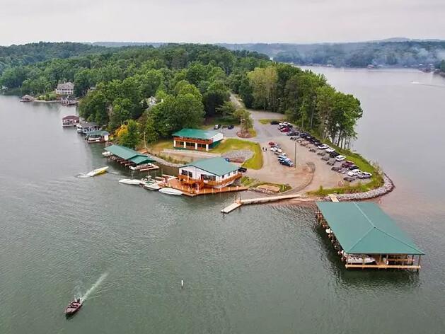 Gills Creek Marina & Lodge
