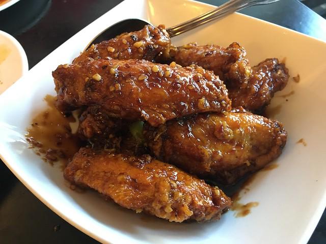 """Triple """"C"""" wings - Mama Ji's"""
