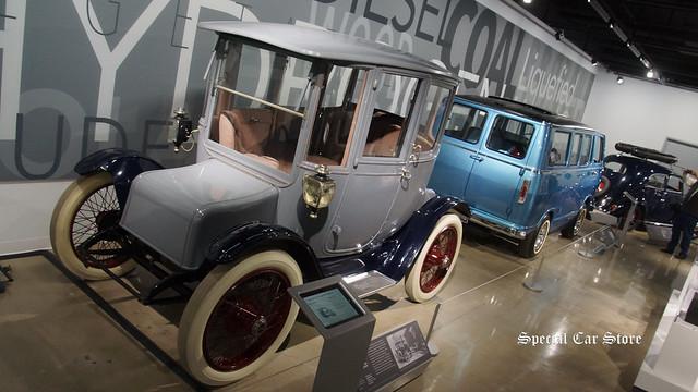 1915 Detroit Electric Model 61 Brougham