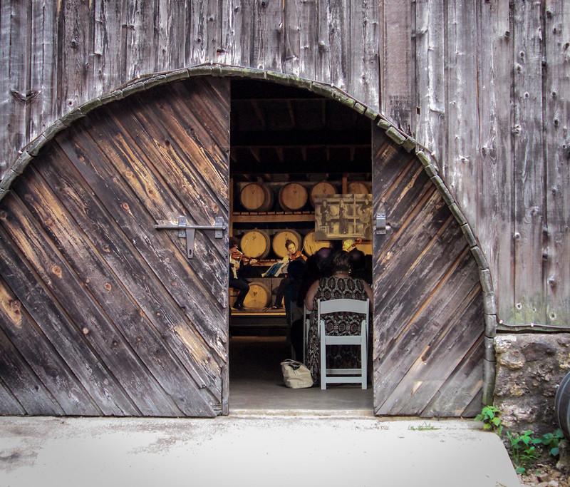 Wine Cellar Concert 2016_11