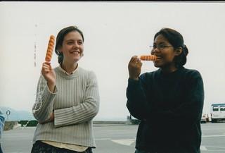 La hermana Clare comiendo helado como candidata