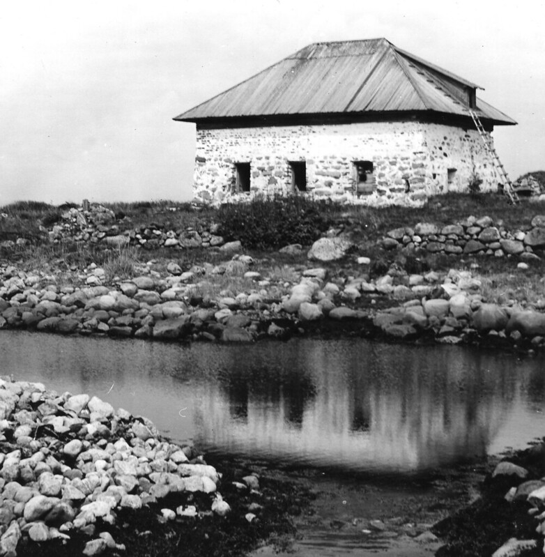 Соловки каменный дом 01 чб