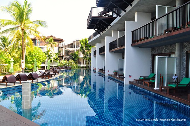 Couple Wing Swimming Pool at Holiday Inn Resort Krabi