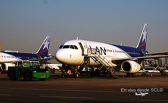 LAN Argentina A320s en AEP plataforma (RD)