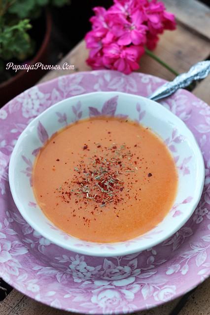Tarhana çorbası (1)