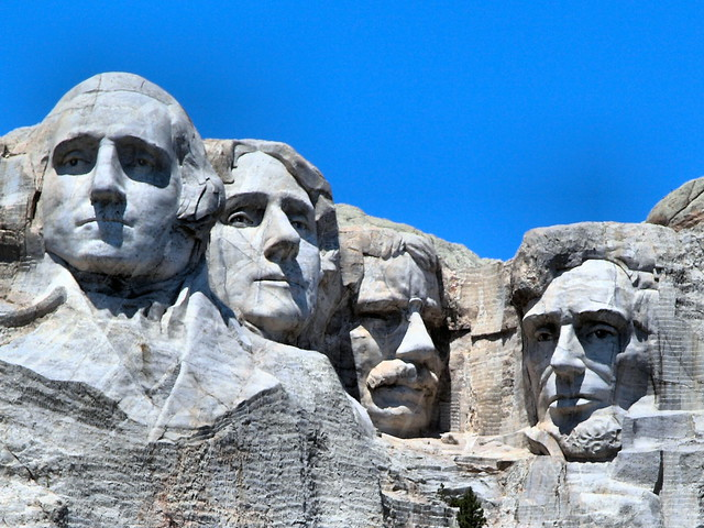 Mount Rushmore CROP 03-20160617