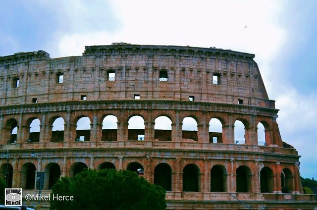 98. Coliseo Romano