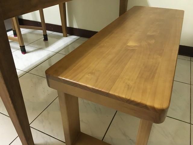 四角都有導圓角,很安全@日光原木工坊U腳椅凳