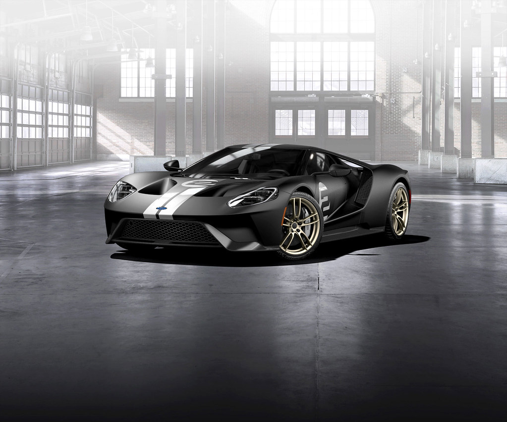 2017 Ford GT '66 Heritage Edition pays homage to the historic livery on 1966 Le Mans winner