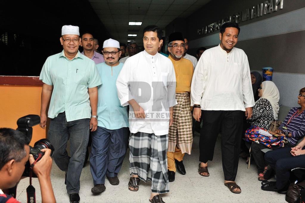 Dato' Seri Mohamed Azmin Bin Ali Dan YB Dr Afif Bahardin Menziarah Datuk Seri Ahmad Bashah Md Hanipah, Menteri Besar Kedah (16 June 2016)