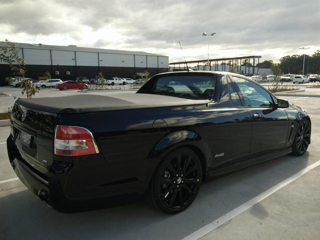 2016 vfii sv6 phantom black black edition ute just commodores img vanachro Choice Image