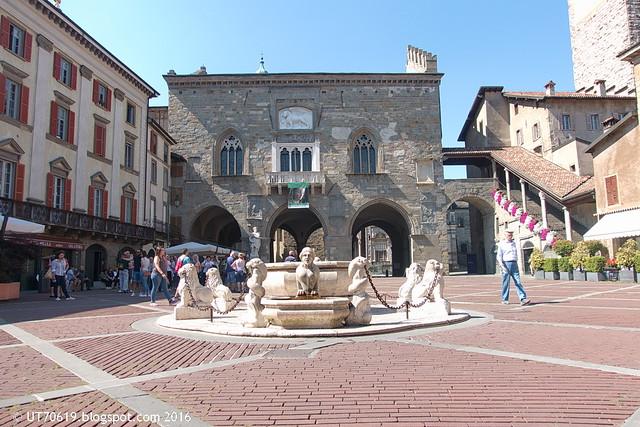 Piazza Vecchia Rathaus