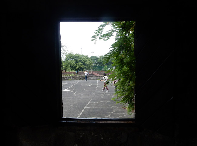 intramuros-ruins-view