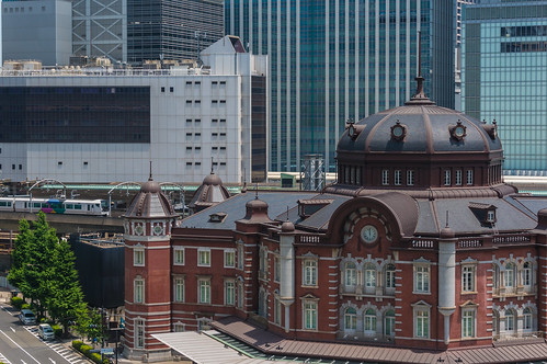 Shooting the Tokyo Station north from Marunouchi Building