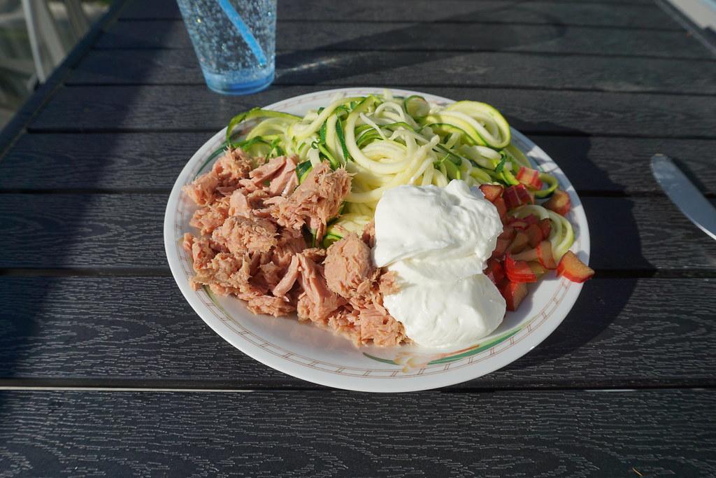 Zucchinispaghetti och tonfisk