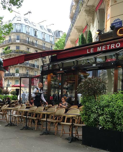 Corner café