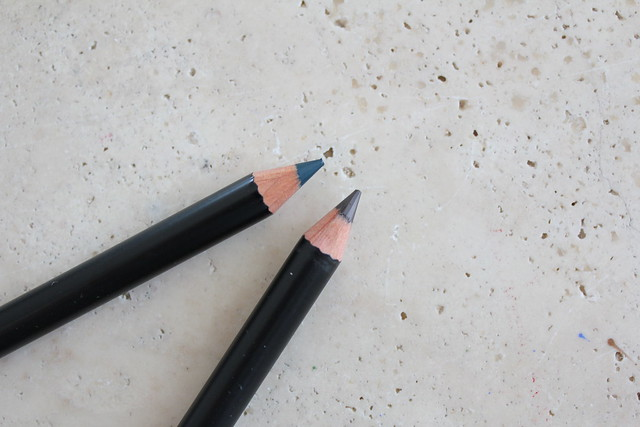 Review and swatch of NARS Velvet Eyeliner in Kaliste and Last Frontier