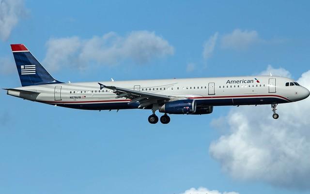 American Airbus A321-231 N578UW