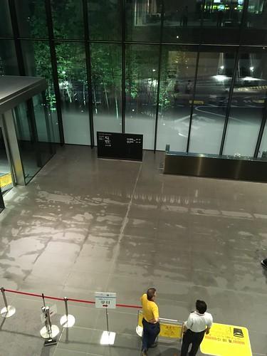 オフィスビルの1階が浸水 2016.7.19