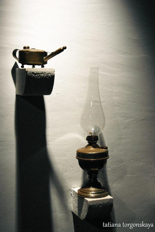 Масленка и лампа