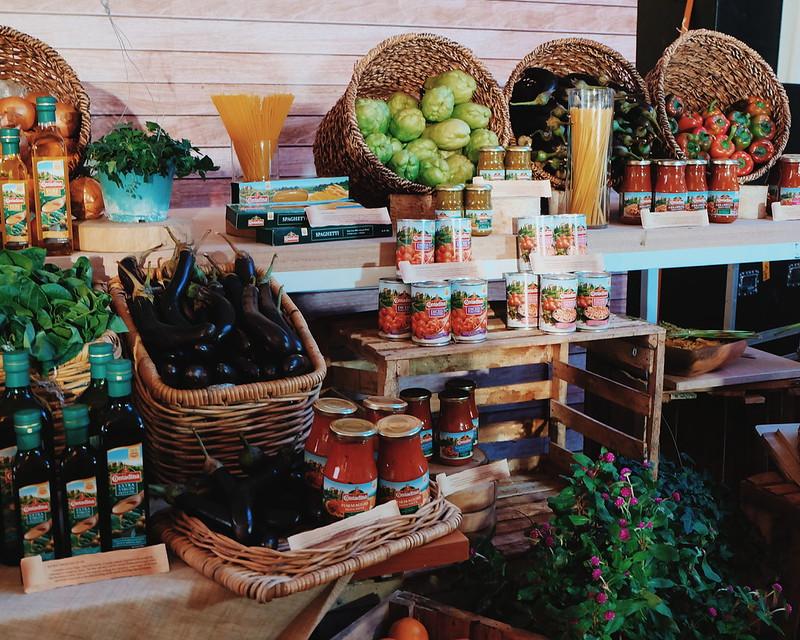 nigella lawson contadina manila