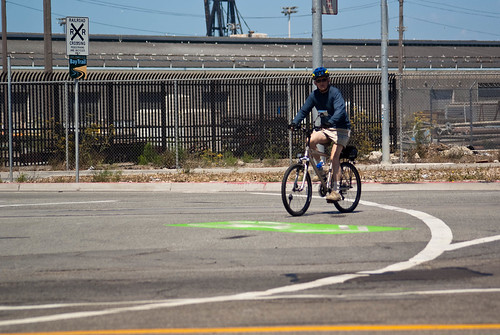19112 Green-backed super sharrows at Cargo-Illinois-Amador three-way intersection | by geekstinkbreath