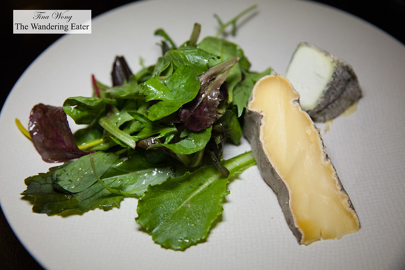 Cheese plate - Saint-Nectaire and aged goat cheese