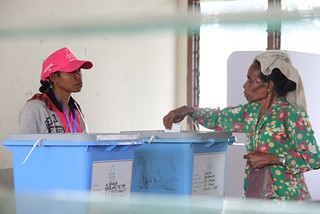 07.07.2012. A woman in District Liquisa places her vote into the ballot box during Timor-Leste's 2012 Parliamentary Elections. | by United Nations Development Programme