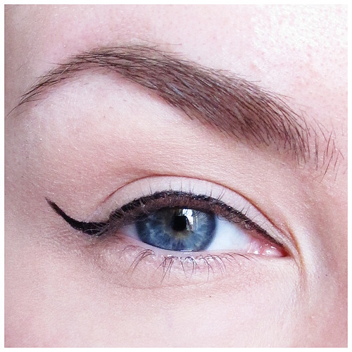 701_eyeliner_04