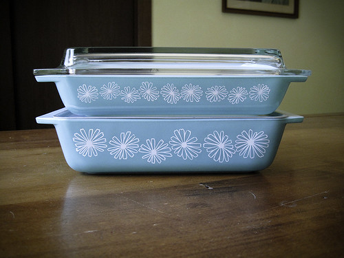 Pyrex Turquoise Daisy Spacesaver Set JAJ | by VintageEverAfter