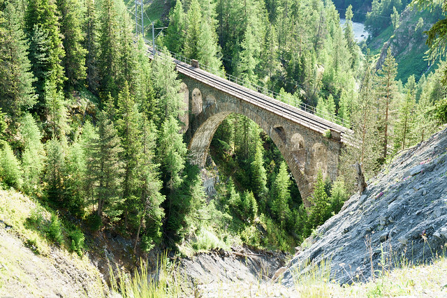 Viadukt auf der Engadin Linie der Räthischen Bahn