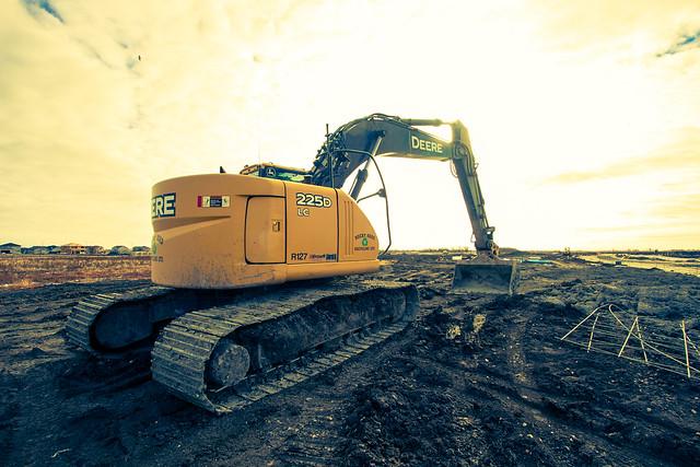 Deere 225D LC Excavator