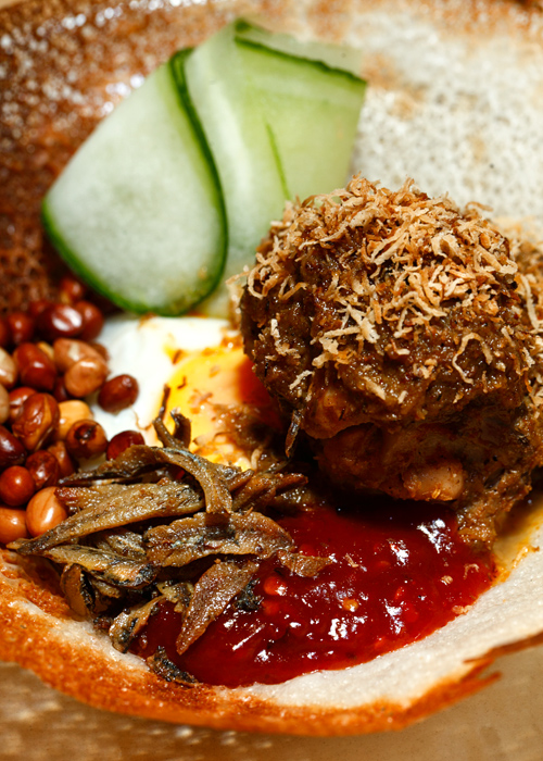 Hoppers Chicken Rendang Apam