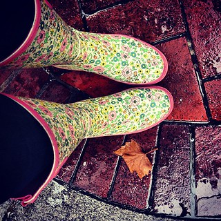 Thank goodness for buffalo exchange! #rain #soggyfeet | by chasingerin