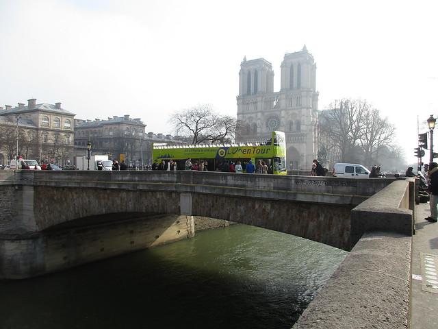 Notre-Dame through the Smog