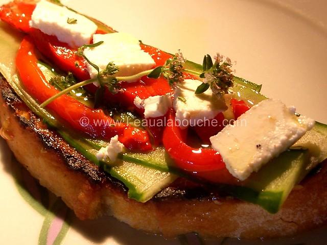 Bruschetta Poivrons Rôtis Concombre Feta & Thym © Ana Luthi Tous droits réservés  04