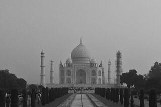 Agra - Taj Mahal front_ bw