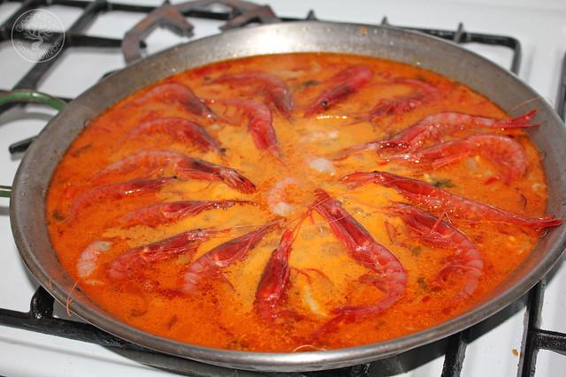 Paella de gambas www.cocinandoentreolivos.com (1)