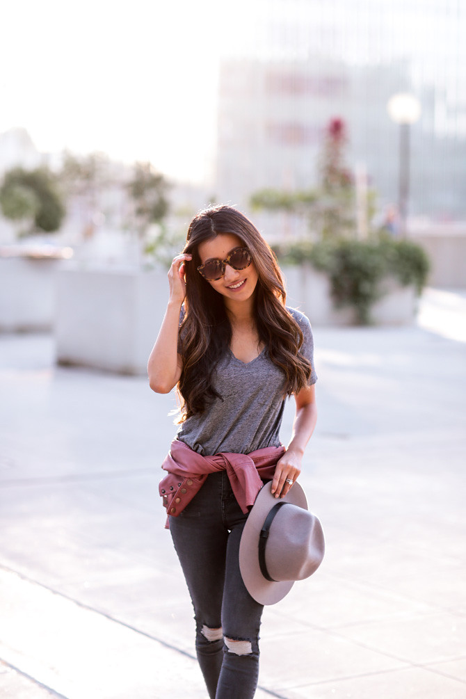 madewell pocket tee gray jeans outfit
