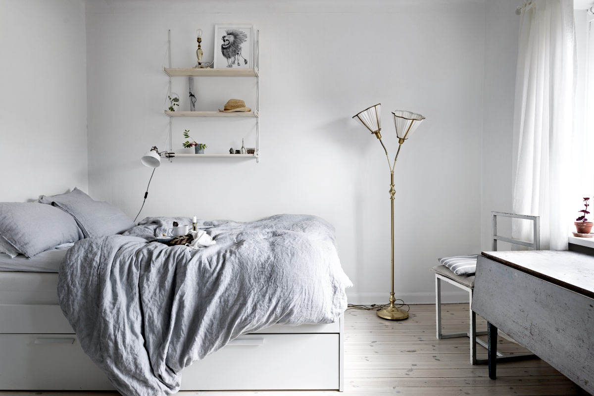 Small But Chic Minimalist Studio Apartment | Minimal and ...