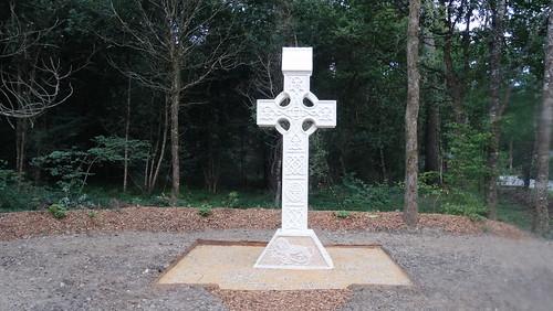Croix celtique du monastère Sainte-Présence