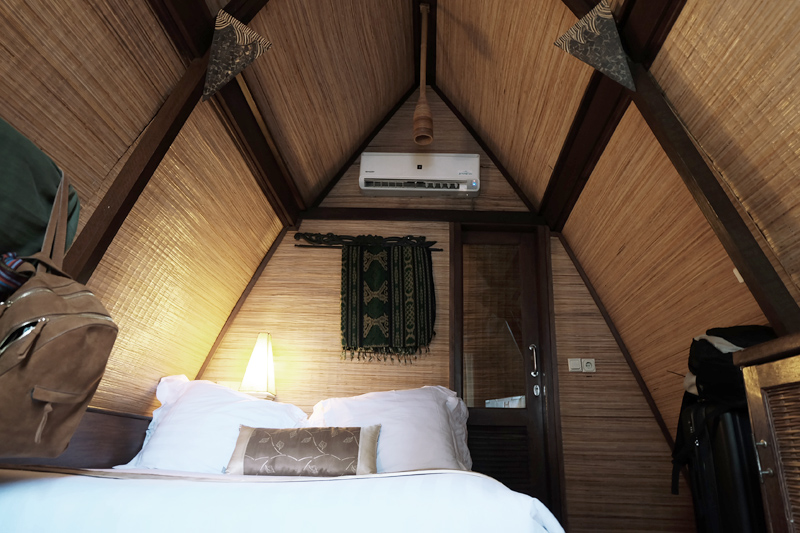 villa ombok room