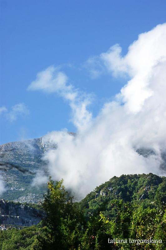 Облака на склонах Орьена