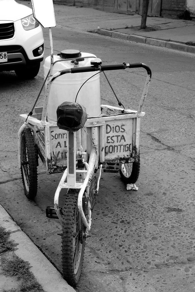 Triciclo para la venta de cloro