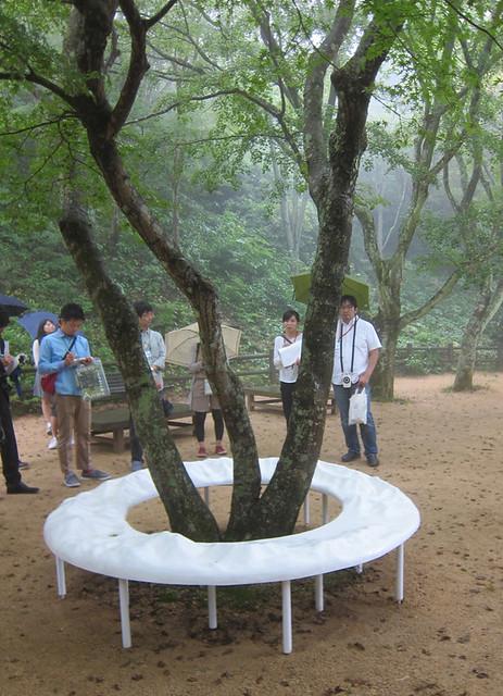 六甲山系をFRPで。座ったらどこかの山が尻の下に来る。