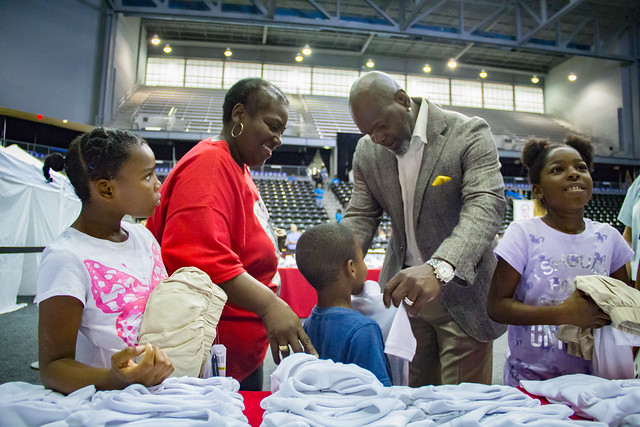 Pat & Emmitt Smith Charities and Belk Host Back-To-School Shopping Experience for Underserved Dallas Students