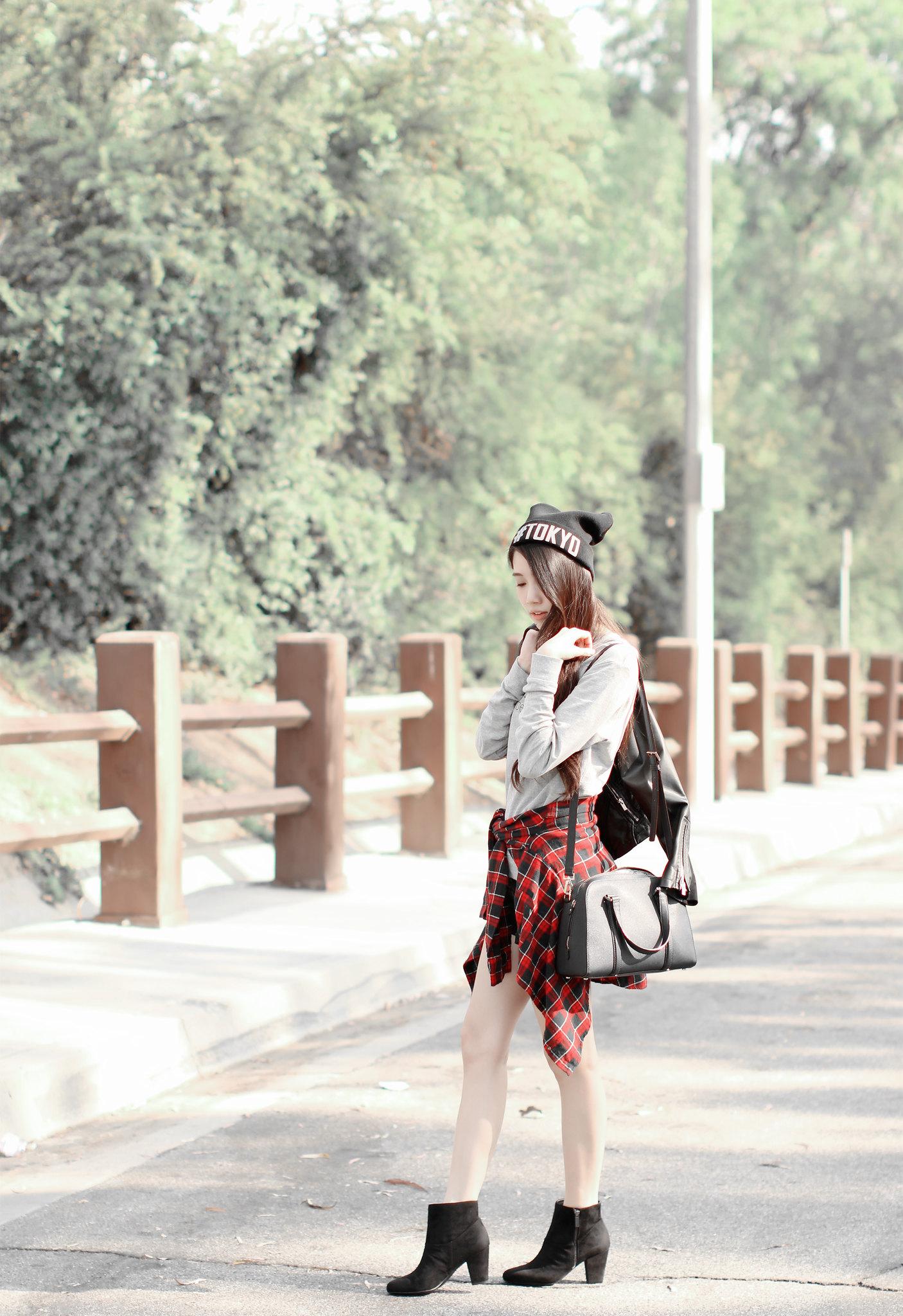 0644-sporty-chic-sweatshirt-ootd-fall2016-autumn-ulzzang-korean-fashion