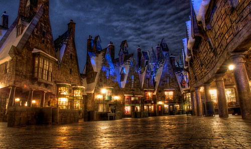 Wizarding World of Harry Potter: Shopping in Hogsmeade | by Hamilton!