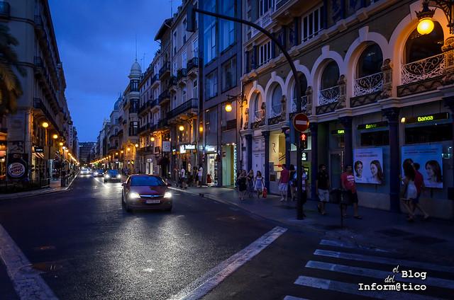 calle de la paz noche valencia 01
